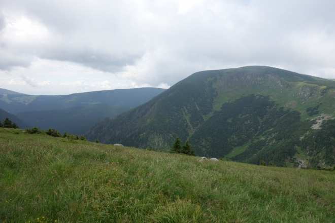 Studniční hora (1 554 m n. m.).