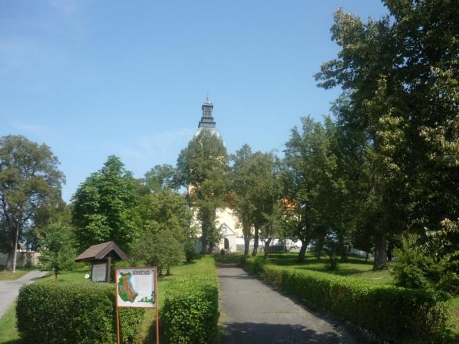 Ještě jednou zalesněný kostel