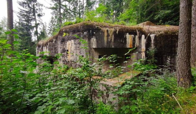 Pěchotní srub STM je jedním z bunkrů, které minu.