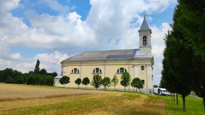 Kostel sv. Martina ve Skorošicích.
