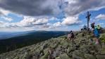 Vzdálený Roklan překrývá Blatný vrch a Špicník, které jsme zdolali. Tam někde pod nimi právě šlape Venca s Romanem.