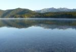 Ranní opar nad jezerem