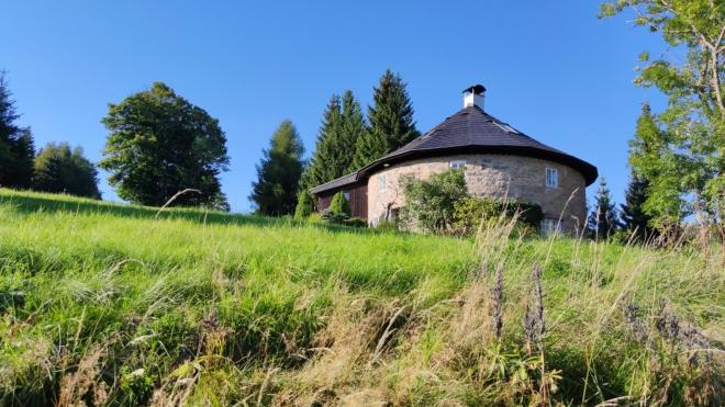 Bývalý větrný mlýn v Horním Polubném.