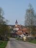 Cestou z Volenic (směr na Tažovice) – kostel ve Volenicích