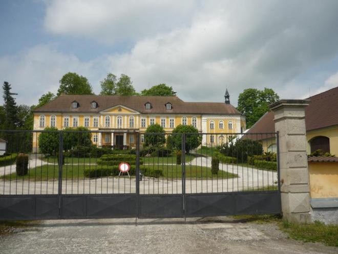 Zámek v Čekanicích