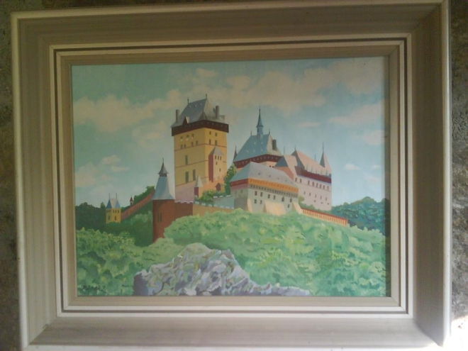 Pan Švec si postavil také menší hrádek blízko u Prahy. Nejspíš ho pojmenoval po nějakém svém předkovi Karlovi.