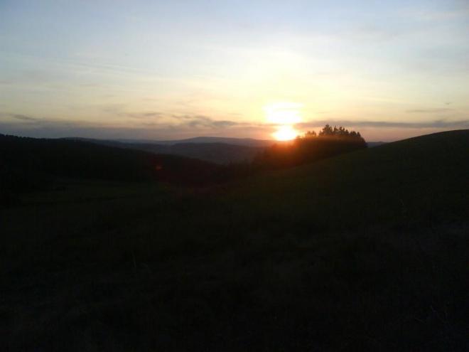 Západ slunce focený na cestě mezi Stříteží a Milejovicemi