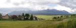 Večer ještě ze Štrby fotím mjučkem panorama Tater. Náš poslední výlet končí v Jánské dolině, kdy díky chybějící půlce mapy nedojdeme k Ohništi se skalním oknem a Velkou ledovou propastí, velmi zajímavému místu Nízkých Tater. Tak snad jindy, už s platnou mapou...
