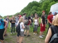 Žáci vylezli z autobusu a už se těší na výšlap
