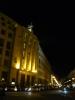 Osvětlená Česká národní banka v noci