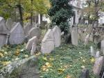 Další náhrobní kameny
