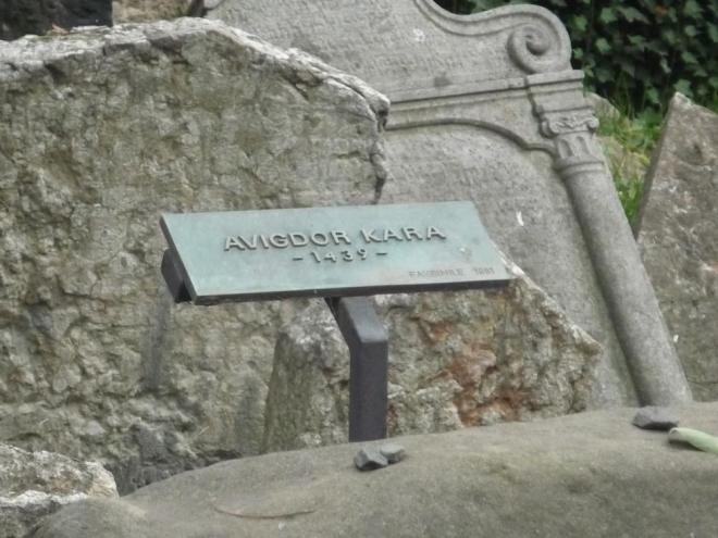 Předpokládaný nejstarší pohřbený Avigdor Kara