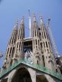 Kde jinde v Barce začít, než u slavné Sagrada Família. Tato velkolepá stavba započala již v roce 1882 v Gaudího režii a stále se nechýlí ke konci.