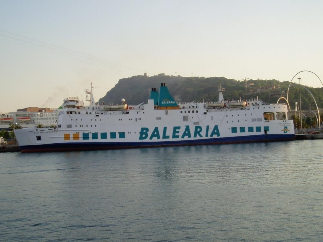 Odtud se můžeme vydat na plavdu Středozemním mořem.